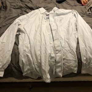 Vineyard vines large button down